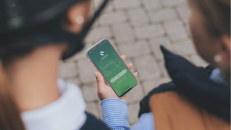 Die ReitZeit App auf dem Smartphone